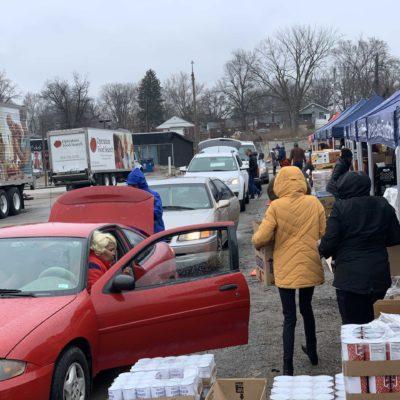 Volunteers delivering food to communities