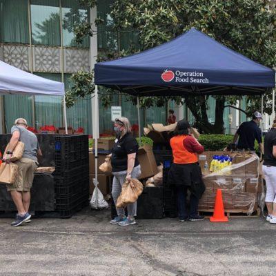 Volunteers at food market
